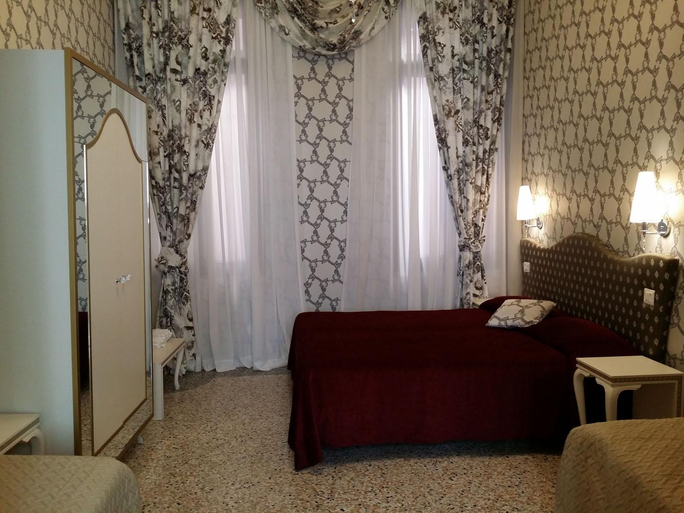 Bagno Esterno Privato : Doppia superior con bagno privato esterno hotel ca nobile corner